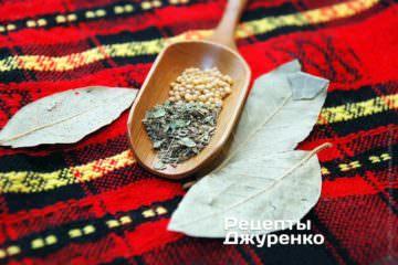 Прованские травы, семена горчицы, лавровый лист