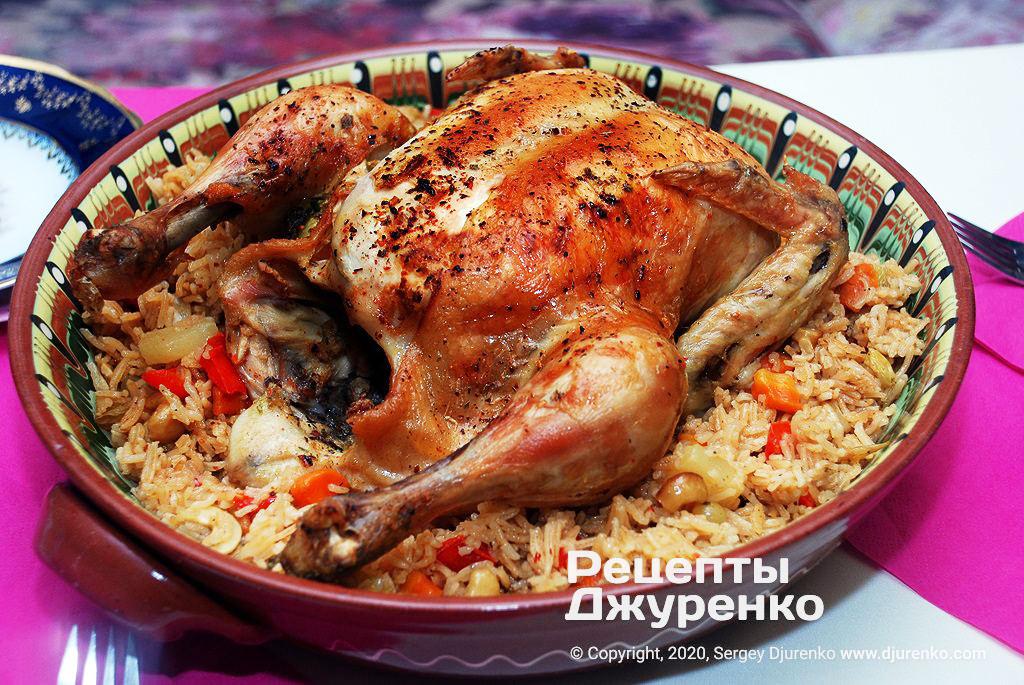 Запеченная курица в духовке с рисом.