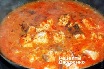 Тушкувати рибу в соусі