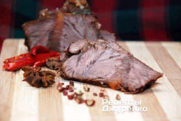 Готове м'ясо у вині різати гострим ножем