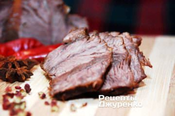 Фото рецепта м'ясо у вині — тушкована яловичина