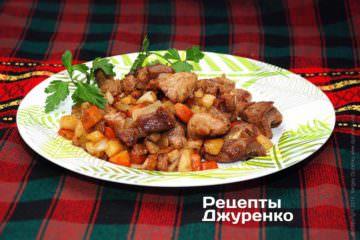Фото к рецепту: жареная свинина с овощами