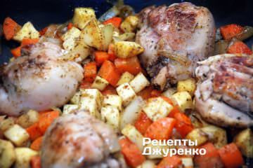Обжаривать до подрумянивания овощей