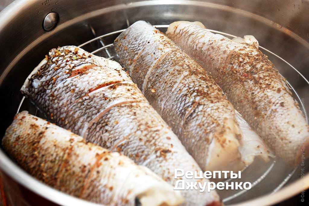Как запекать стейки из лосося в фольге в духовке рецепт с фото