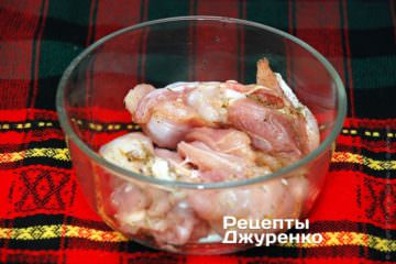Кусочки курицы со специями