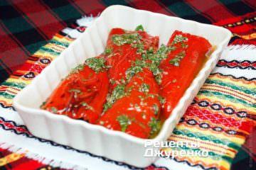 Перець з цибулею і зеленню