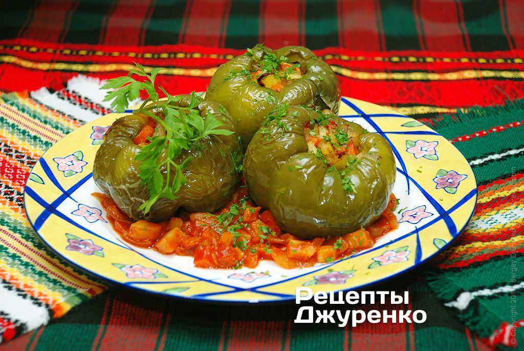 Фото готового рецепту перець фарширований овочами в домашніх умовах