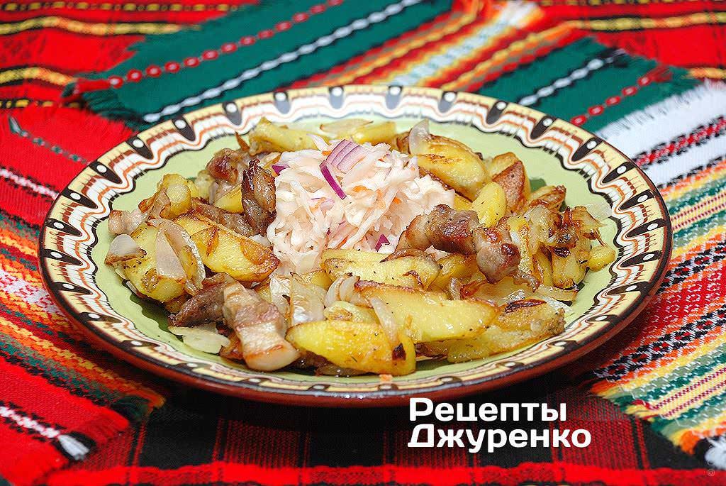 Фото готового рецепту картопля смажена на сковороді в домашніх умовах
