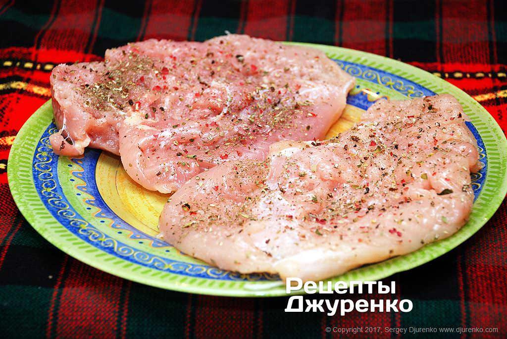 Как приготовить Куриное филе в кляре. Шаг 3: отбить филе
