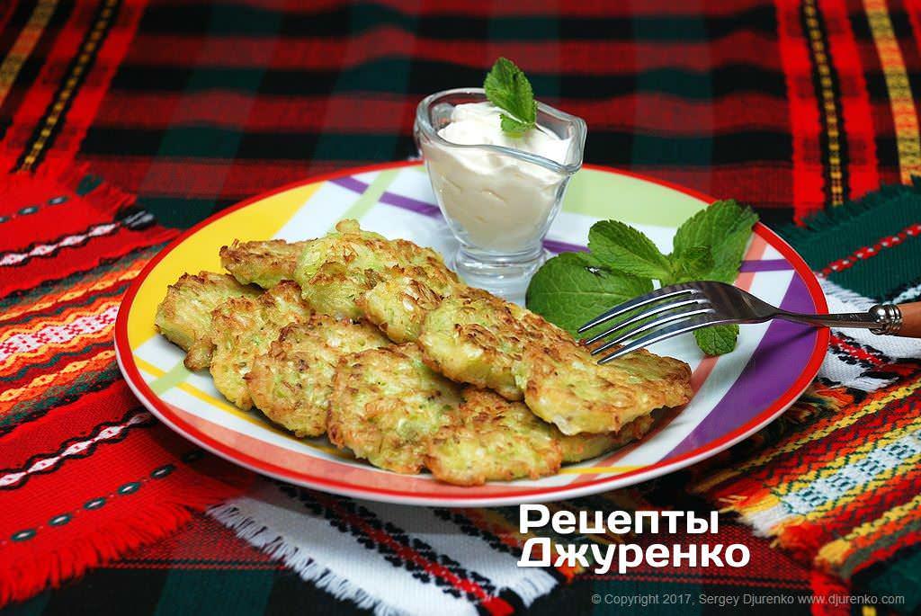 Фото готового рецепту капустяні оладки в домашніх умовах
