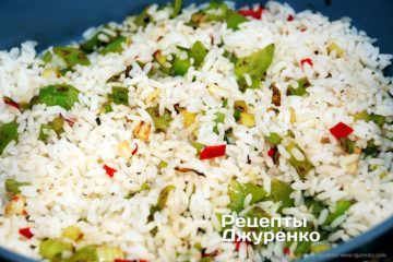 добавить рис к овощам