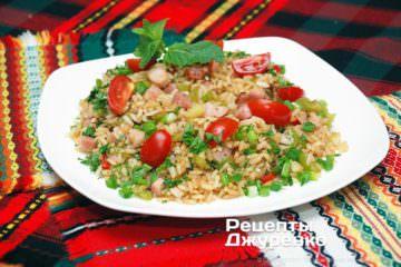 салат из мяса и риса