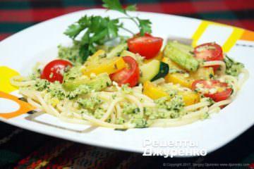 Фото рецепта макарони з овочами