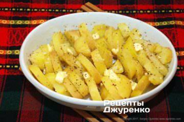 картопля в формі для запікання