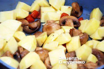 крупно нарезанный картофель