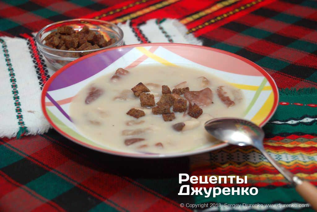 Фото готового рецепту грибний крем-суп в домашніх умовах