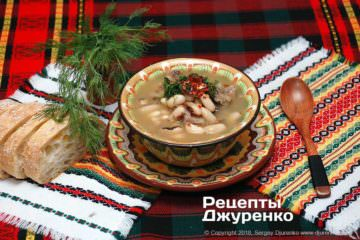 квасолевий суп з м'ясом