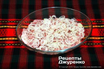 Шаг 4: лук и свинина