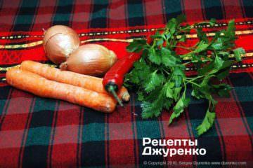 Як приготувати Свинина з квасолею. Крок 6: овочі та зелень