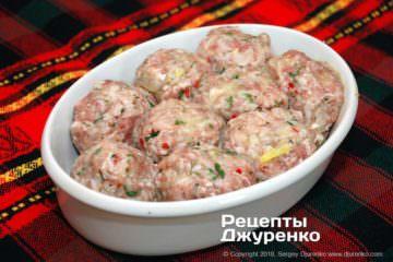 Как приготовить Тефтели срисом втоматном соусе. Шаг 16: тефтели из свинины