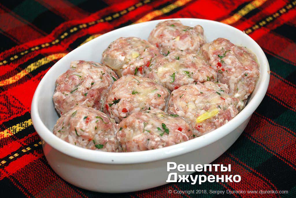 Тефтелі зі свинини.