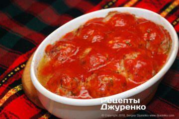 Как приготовить Тефтели срисом втоматном соусе. Шаг 20: залить томатом