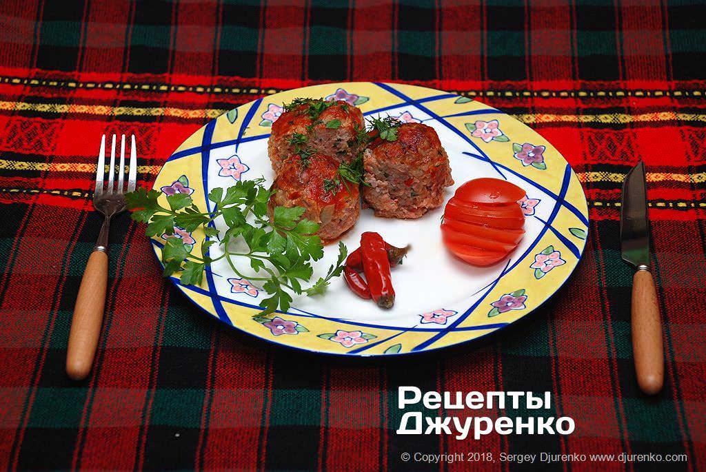 тефтелі з рисом в томатному соусі