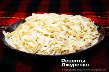 Фото к рецепту: домашняя лапша