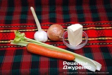 Шаг 1: овощи и масло