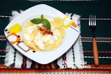Фото к рецепту: равиоли с рикоттой