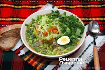суп з молодою капустою