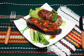 Фото до рецепту: фаршировані баклажани