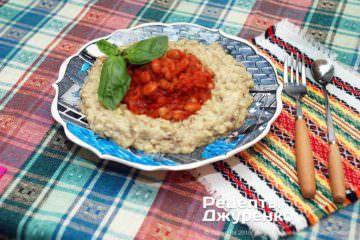Фото к рецепту: фасоль с баклажанами
