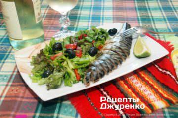 Готова страва салат з копченою