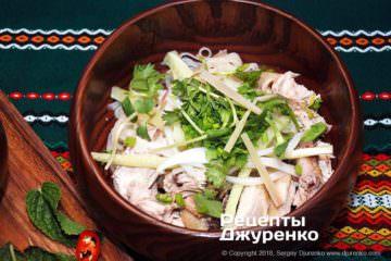 Шаг 13: добавить в суп зелень