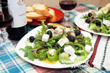 Фото рецепта салат с сыром фета