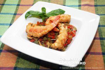 Готовое блюдо креветки в кляре