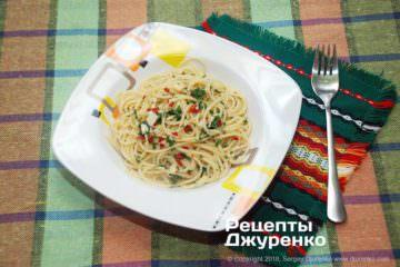спагеті з маслом та часником