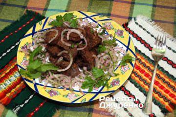 Фото рецепта смажена печінка з цибулею