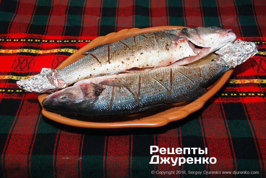 Как приготовить Сибас запеченный в духовке. Шаг 16: запечь рыбу в духовке
