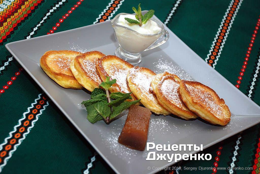 Готова страва Оладки на кефірі - скоростиглі і прості, неймовірно смачні.