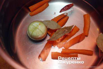 Крок 2: овочі в бульйоні