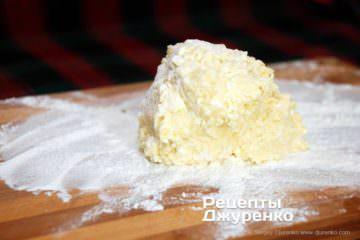 Як приготувати Ліниві вареники. Крок 6: липке тісто