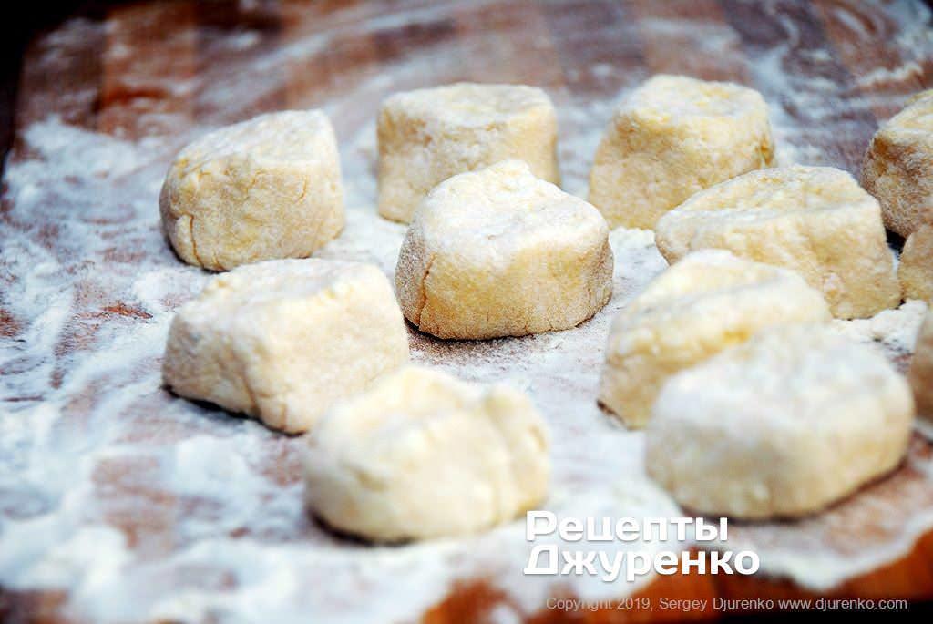 Як приготувати Ліниві вареники. Крок 8: заготовки вареників
