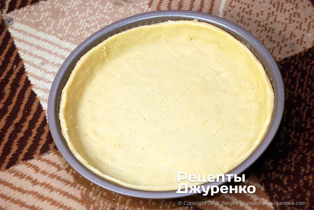 Как приготовить Грушевый пирог. Шаг 16: тесто на форме