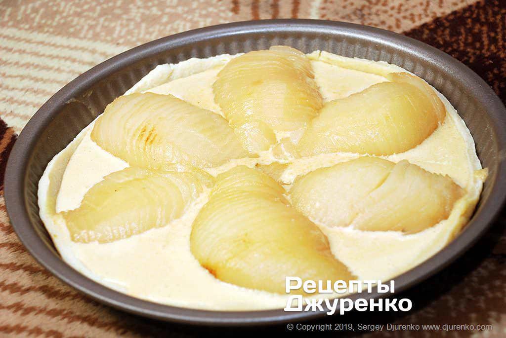 Как приготовить Грушевый пирог. Шаг 22: груши на пироге