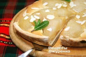 Готовое блюдо грушевый пирог