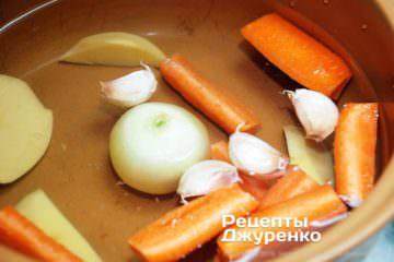 Як приготувати Суп зі шпинату. Крок 4: простий овочевий бульйон