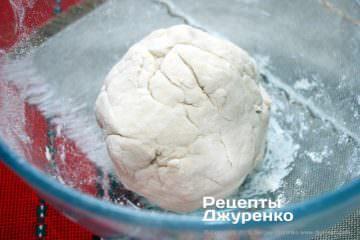 Как приготовить Цзяоцзы, китайские пельмени. Шаг 12: пресное тесто