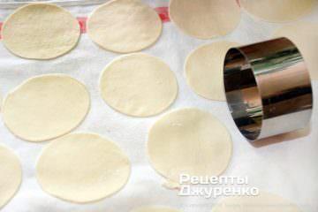 Как приготовить Цзяоцзы, китайские пельмени. Шаг 14: заготовки теста для пельменей